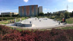 nowy skatepark fot. jacek tomaszewski rop3 300x169 - Poznań: Budowa skateparku w parku Śmiałego-Batorego na Piątkowie zakończona!