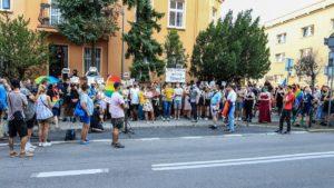 protest przeciw homofobii fot. s. wachala4 300x169 - Poznań: Tęczowe flagi przed komendą policji i protest przeciwko homofobii