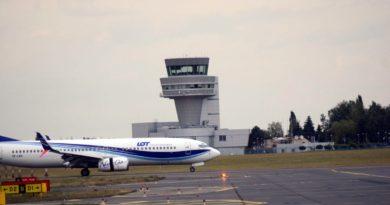 przybycie repatriantow lawica fot. k. adamska8 390x205 - Poznań: Zmiany godzin otwarcia terminali pasażerskich na Ławicy