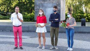 solidarni z bialorusia forum mlodych pis fot. s. wachala2 300x169 - Poznań: Kameralna demonstracja Młodej Prawicy