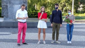 solidarni z bialorusia forum mlodych pis fot. s. wachala5 300x169 - Poznań: Kameralna demonstracja Młodej Prawicy