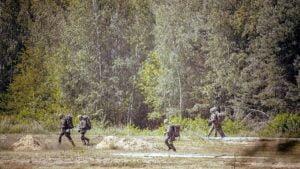sprawdzian w wyciazkowie fot. dwot4 300x169 - Leszno: Terytorialsi - ostatni sprawdzian przed przysięgą