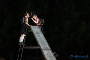 """swiniopolis teatr biuro podrozy fot. slawek wachala 5432 300x200 - Festiwal na Wolnym Powietrzu: """"Świniopolis"""" na zakończenie"""