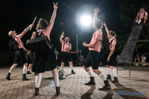"""swiniopolis teatr biuro podrozy fot. slawek wachala 5456 300x200 - Festiwal na Wolnym Powietrzu: """"Świniopolis"""" na zakończenie"""