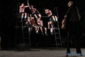 """swiniopolis teatr biuro podrozy fot. slawek wachala 5473 300x200 - Festiwal na Wolnym Powietrzu: """"Świniopolis"""" na zakończenie"""