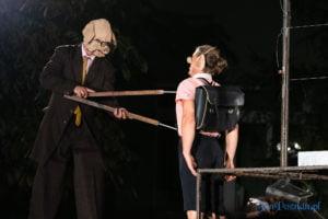"""swiniopolis teatr biuro podrozy fot. slawek wachala 5512 300x200 - Festiwal na Wolnym Powietrzu: """"Świniopolis"""" na zakończenie"""