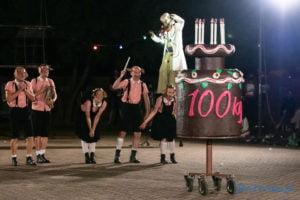 """swiniopolis teatr biuro podrozy fot. slawek wachala 5524 300x200 - Festiwal na Wolnym Powietrzu: """"Świniopolis"""" na zakończenie"""