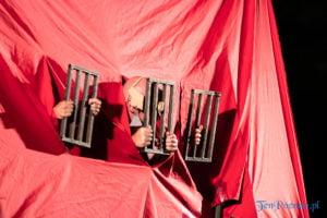 """swiniopolis teatr biuro podrozy fot. slawek wachala 5620 300x200 - Festiwal na Wolnym Powietrzu: """"Świniopolis"""" na zakończenie"""