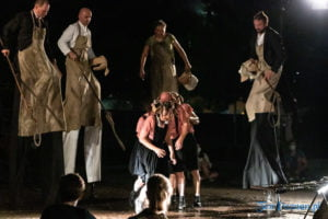 """swiniopolis teatr biuro podrozy fot. slawek wachala 5660 300x200 - Festiwal na Wolnym Powietrzu: """"Świniopolis"""" na zakończenie"""