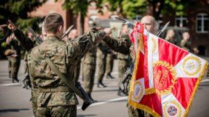 terytorialsi przysiega fot. dwot 300x169 - Leszno: Nowi żołnierze w wielkopolskiej brygadzie WOT