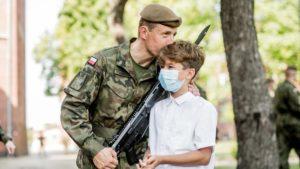 terytorialsi przysiega fot. dwot2 300x169 - Leszno: Nowi żołnierze w wielkopolskiej brygadzie WOT