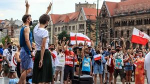 wolnosc dla bialorusi fot. s.wachala11 300x169 - Poznań: Demonstranci żądali wolności dla Białorusi