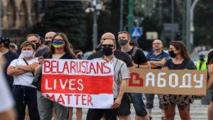 wolnosc dla bialorusi fot. s.wachala18 300x169 - Poznań: Demonstranci żądali wolności dla Białorusi