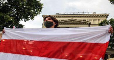 """Poznań: Demonstracja dla Białorusi: """"Tak dla Wolności! Nie dla Przemocy!"""""""