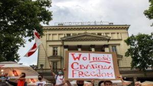 wolnosc dla bialorusi fot. s.wachala6 300x169 - Poznań: Demonstranci żądali wolności dla Białorusi