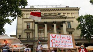 wolnosc dla bialorusi fot. s.wachala7 300x169 - Poznań: Demonstranci żądali wolności dla Białorusi