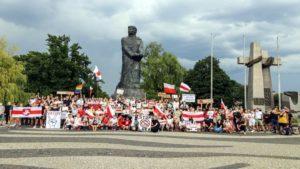 wolnosc dla bialorusi fot. s.wachala9 300x169 - Poznań: Demonstranci żądali wolności dla Białorusi