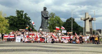 Poznań: Demonstracja poparcia dla Romana Protasiewicza