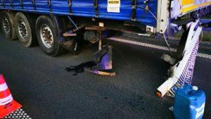wypadek fot. osp ksrg smigie5 300x169 - Leszno: Tragiczny wypadek na S5 pod Śmiglem