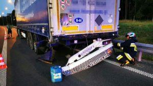 wypadek fot. osp ksrg smigie6 300x169 - Leszno: Tragiczny wypadek na S5 pod Śmiglem