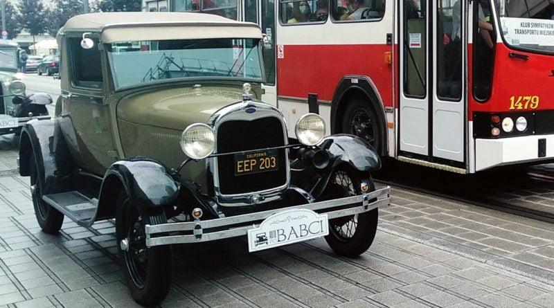 zabytkowe samochody