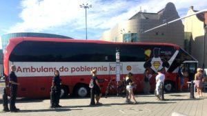 zbiorka krwi fot. policja 300x169 - Poznań: Prawie 15 litrów krwi trafi do potrzebujących. Dzięki policji