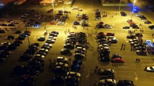 zlot w swadzimiu fot. policja 300x169 - Poznań: Mandaty, narkotyki i policja na zlocie samochodów
