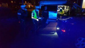 zlot w swadzimiu fot. policja6 300x169 - Poznań: Mandaty, narkotyki i policja na zlocie samochodów