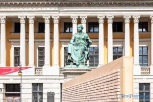 znikajacy mur fot. slawek wachala 8865 300x200 - Poznań: Znikający Mur na placu Wolności. Na finał Malty