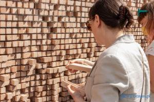 znikajacy mur fot. slawek wachala 8971 300x200 - Poznań: Znikający Mur na placu Wolności. Na finał Malty
