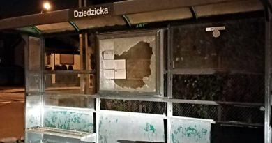 zniszczona wiata Daszewicka fot. ZTM