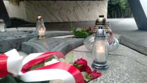 81. rocznica wybuchu ii wojny swiatowej6 300x169 - Poznań: Kwiaty na Cytadeli z okazji rocznicy wybuchu II wojny światowej