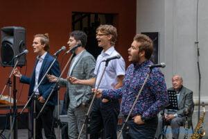 cudowne lata derwida piosenki taneczne fot. slawek wachala 2933 300x200 - Poznań: Cudowne lata Derwida. Co to był za koncert!