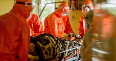 ewakuacja DPS Rogowo i Chumiętki przez 12 WBOT fot. WBOT
