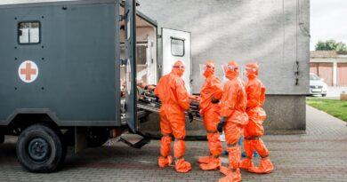 ewakuacja dps rogowo i chumietki przez 12 wbot fot. wbot2 390x205 - Polska: Kolejny rekord zakażeń koronawirusem