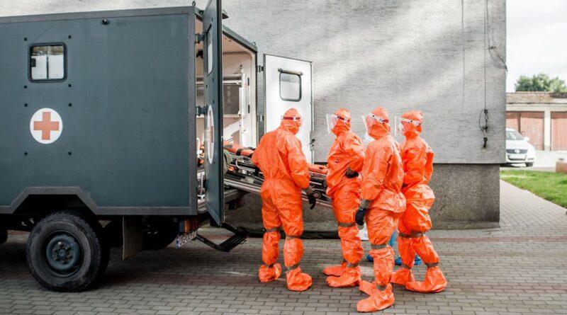 ewakuacja dps rogowo i chumietki przez 12 wbot fot. wbot2 800x445 - Wielkopolska: Ponad 600 zakażeń koronawirusem w regionie