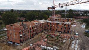 inwestycja przy opolskiej fot. zkzl3 300x169 - Poznań: Osiedle przy Opolskiej rośnie szybciej, niż zakładał plan