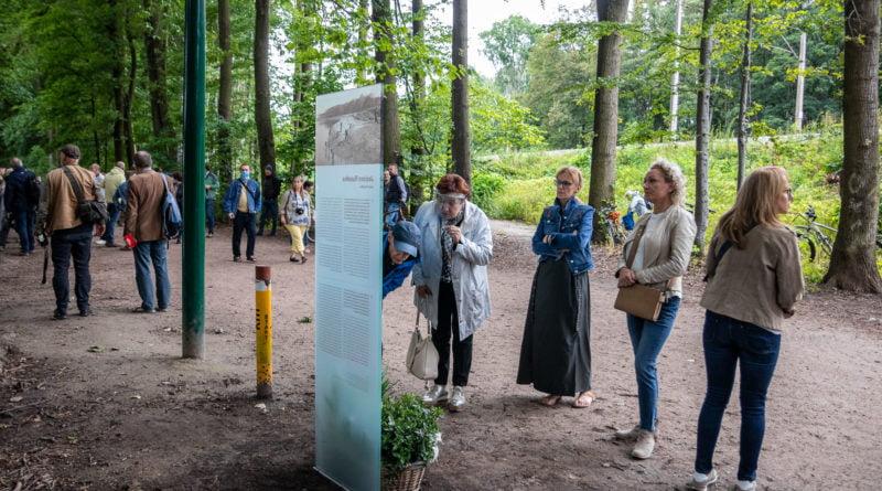 Jezioro Rusałka odsłonięcie tablicy Systemu Informacji Miejskiej SIM dotyczącej historii powstania jeziora fot. Sławek Wąchała