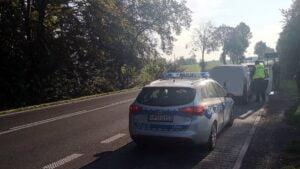 kolizja fot. policja4 300x169 - Międzychód: Kolizja w Luboszu. Utrudnienia w ruchu