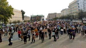 mlodziezowy strajk klimatyczny7 300x169 - Poznań: Młodzieżowy Strajk Klimatyczny na placu Wolności