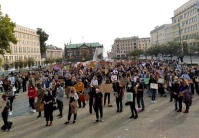Poznań: Młodzieżowy Strajk Klimatyczny na placu Wolności