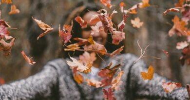 Te kolory i kroje zawojują tegoroczną jesień!
