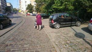 parkowanie fot. smmp2 300x169 - Poznań: Pieszy na jezdni, samochód na chodniku, czyli parkowanie w mieście