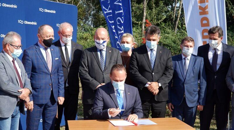 podpisanie programu inwestycji Obwodnica Kalisza fot. WUW