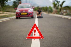 pomoc drogowa 2 fot. art. spon..jpg 300x200 - Holuj bezpiecznie! Jak powinna wyglądać pomoc drogowa w wyjątkowych sytuacjach?