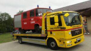 pomoc drogowa 3 fot. art. spon..jpg 300x169 - Holuj bezpiecznie! Jak powinna wyglądać pomoc drogowa w wyjątkowych sytuacjach?