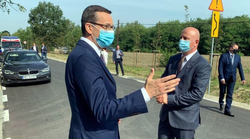 premier m. morawiecki otwarcie drogi w pisarzowicach fot. wuw4 800x445 - Premier Mateusz Morawiecki już po kwarantannie
