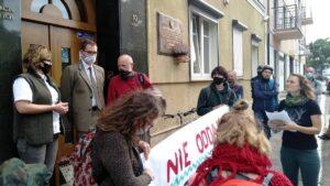 protest przeciwko wycince bieszczadzkich lasow inicjatywa dzikie karpaty 300x169 - Poznań: Pikieta przeciwko wycince bieszczadzkich lasów