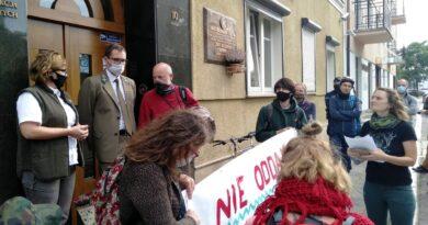 protest przeciwko wycince bieszczadzkich lasów - inicjatywa Dzikie Karpaty
