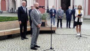 """sebastian kulczyk akcja charytatywna pho3nix foundation i ciech tri tour 300x169 - Poznań: Miliony """"wykręcone"""" dla chorych dzieci"""